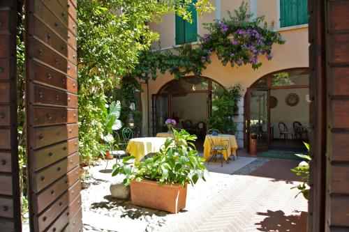 Hotel San Filis (Bed and Breakfast)