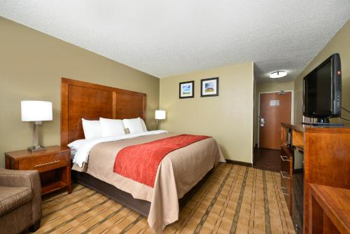 Comfort Inn & Suites Coralville Photo