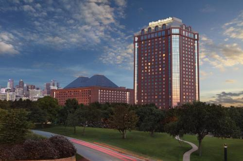 Picture of Hilton Anatole