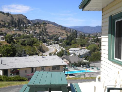 Pleasant View Motel Photo