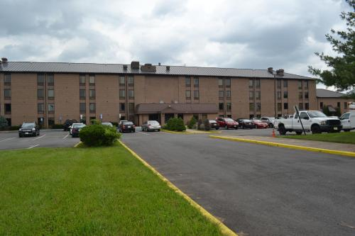 Red Carpet Inn & Suites South Plainfield/Piscataway Photo