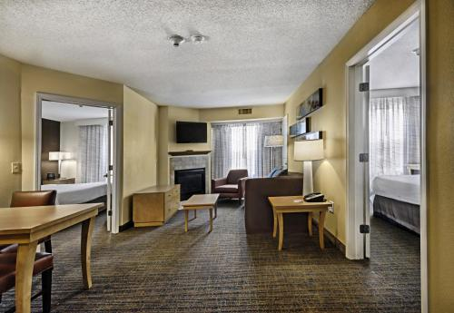 Residence Inn Mt. Laurel at Bishop's Gate Photo
