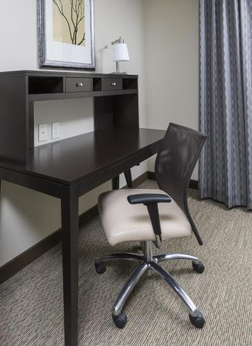 Staybridge Suites Canton Photo