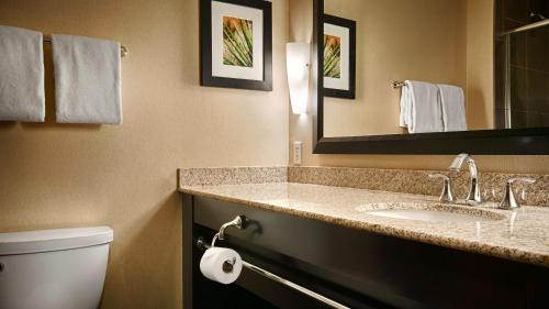 Best Western Premier Bryan College Station Photo