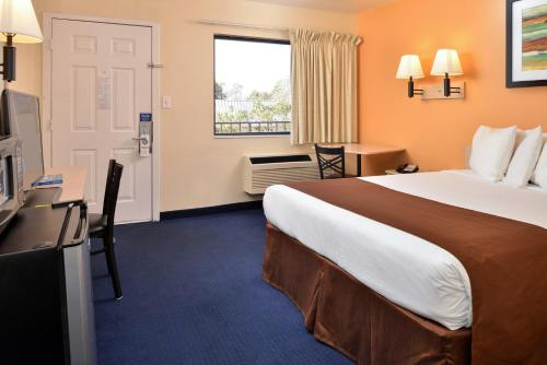 Americas Best Value Inn Wilmington Photo