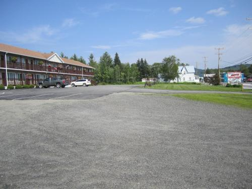 Bishops Country Inn Motel Photo