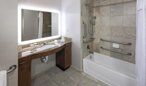 Homewood Suites by Hilton Phoenix North-Happy Valley Photo
