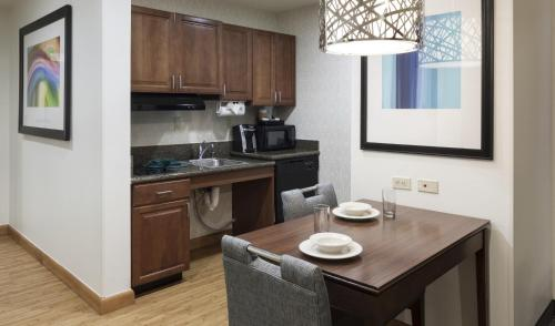 Homewood Suites by Hilton Phoenix North-Happy Valley photo 8