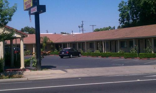 San Joaquin Motel Photo