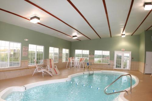 Guesthouse Inn & Suites- Osage Beach