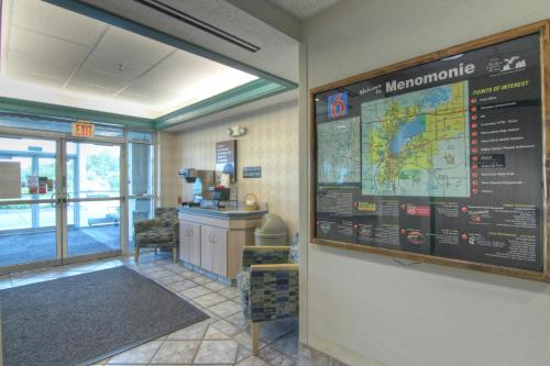 Motel 6 Menomonie Photo