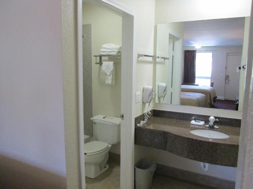 Regency Inn Fort Walton Beach - Fort Walton Beach, FL 32548