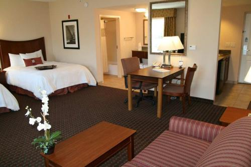 Hampton Inn & Suites Palm Coast Photo