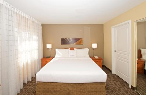 TownePlace Suites by Marriott Seattle Southcenter Photo