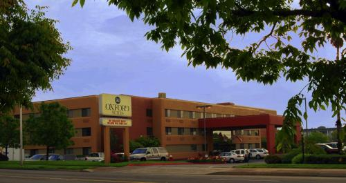 Picture of Oxford Suites Redding
