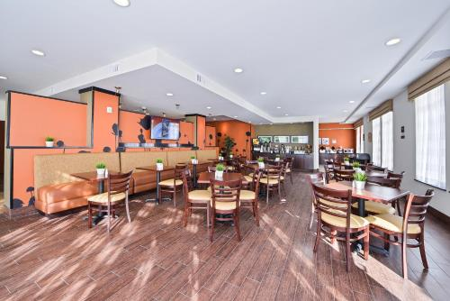 Sleep Inn & Suites Austin – Tech Center Photo
