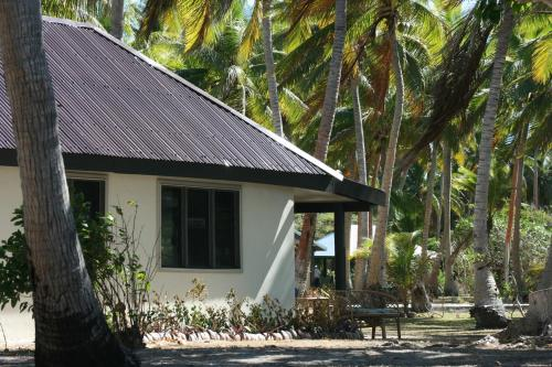 Coconut Beach Resort, Tavewa