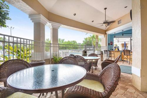Luxury Three Bedroom Condo Near Disney World Photo