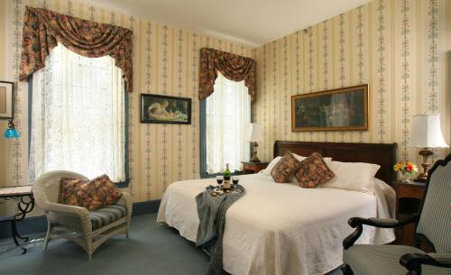 The Lafayette Inn Photo