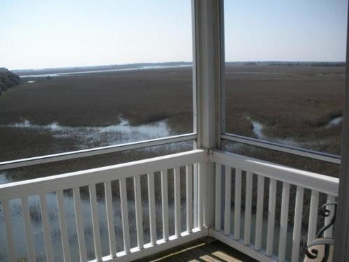 2O Marsh Winds Photo