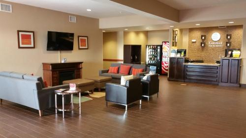 Comfort Inn & Suites Lakeside Photo