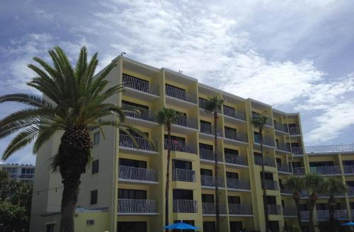 Alden Suites - A Beachfront Resort Photo