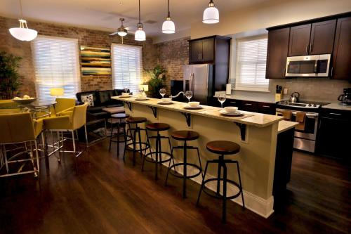 Camp Street Apartment by Stay Alfred Photo