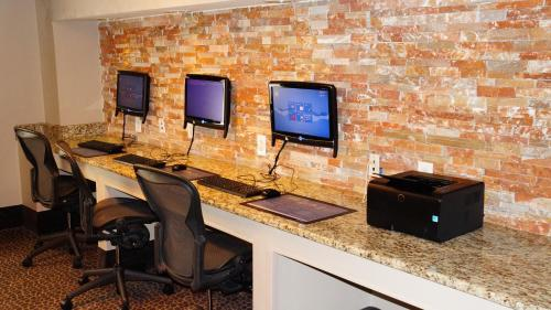 Best Western PLUS Dallas Hotel & Conference Center photo 10