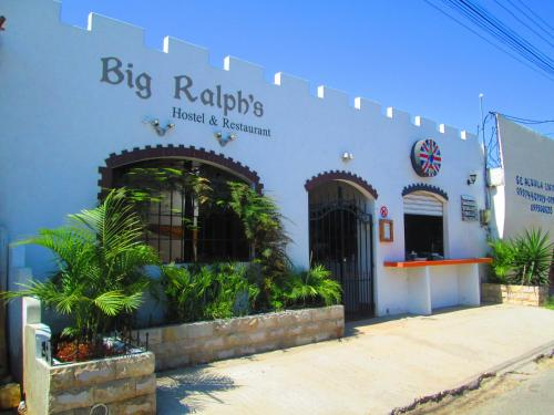 Big Ralph's Hostal & Restaurant Photo