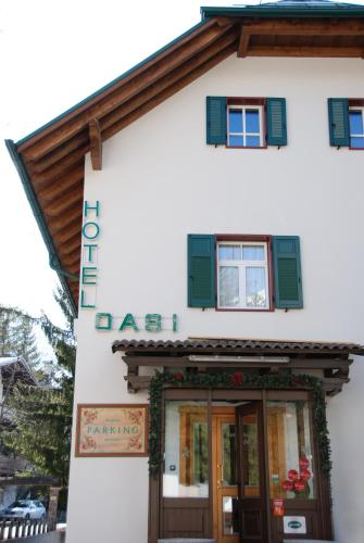 A hotel meuble oasi cortina d ampezzo italia for Hotel meuble oasi