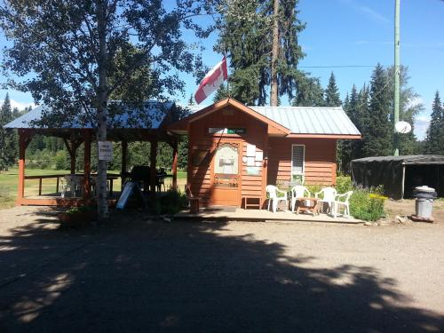 Wells Gray Golf Resort and RV Park Photo