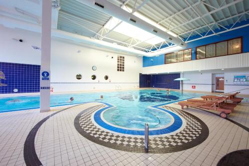 De Vere Village Herons Reach Blackpool Hotel Leisure Club Cheap Hotel Reservation In