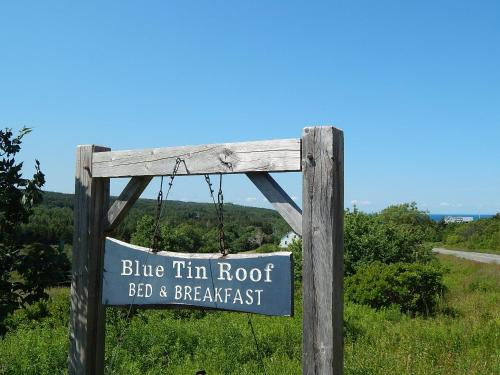 Blue Tin Roof B & B Photo