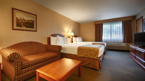 Best Western Oak Meadows Inn Photo