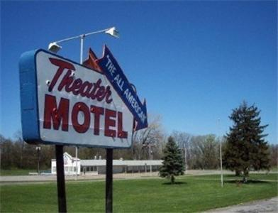 Theater Motel Photo