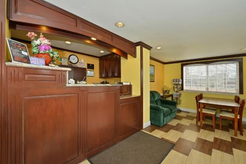 Americas Best Value Inn-Marysville Photo