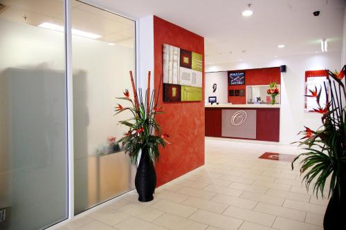 Best Western Plus Cairns Central Apartments photo 8