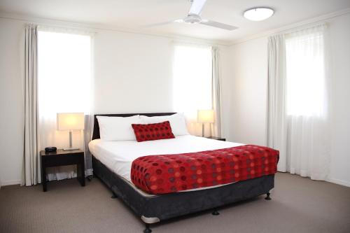 Best Western Plus Cairns Central Apartments photo 12