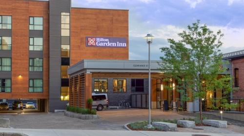 Hilton Garden Inn Burlington Downtown Photo