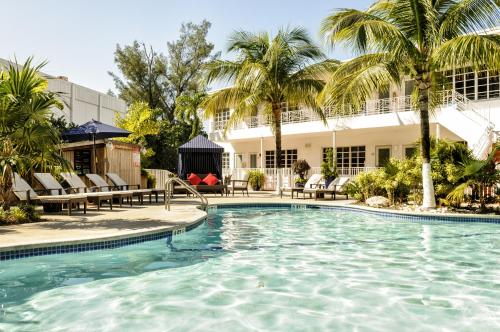 Tradewinds Apartment Hotel Miami Beach Photo