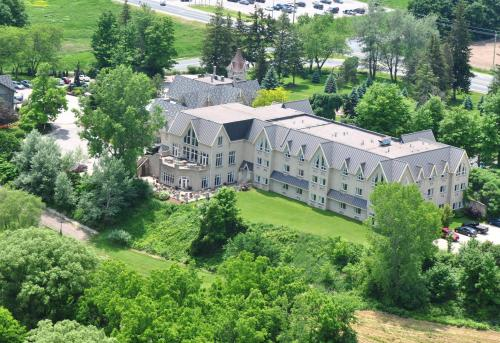 Elmhurst Inn & Spa Photo