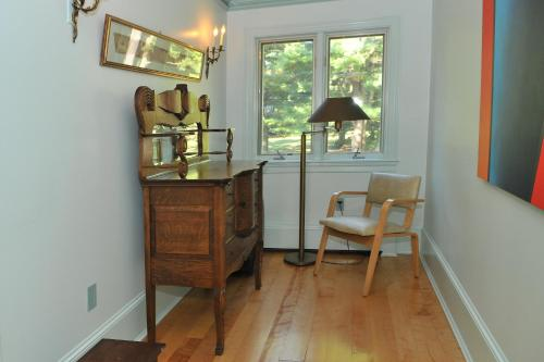 Bass Manor Bed and Breakfast & Art Museum Photo