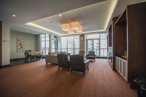 Accurate Plus Furnished Apartment - Square One Parkside Village Photo