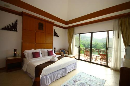 Phuket Nature Home Resort (B&B)