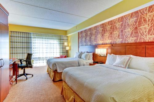 Courtyard by Marriott Bridgeport Clarksburg Photo