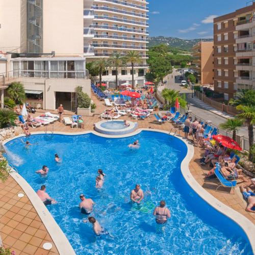 Hotel serhs oasis park calella spain overview for Swimming pool trade show barcelona