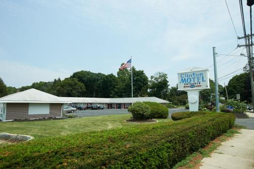 Clinton Motel Photo