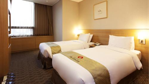 Special Offer - Twin Room with Teseum Package