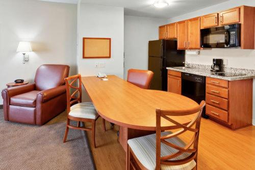 Candlewood Suites Hazleton Photo