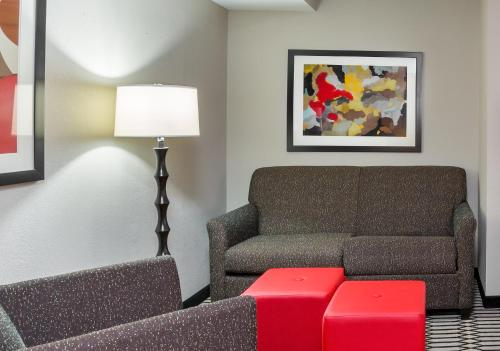 Best Western Plus BWI Airport North Inn & Suites Photo
